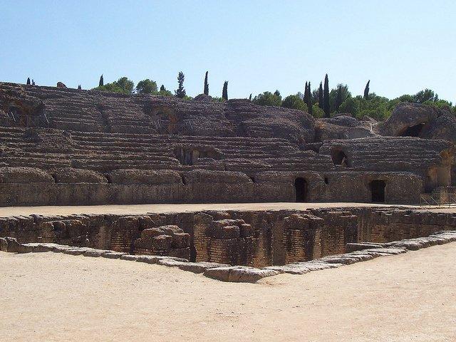 Itálica, la primera ciudad romana de Hispania (Sevilla) 4