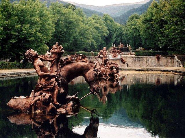 La Granja de San Ildefonso: descanso de reyes entre excelsos jardines (Segovia)