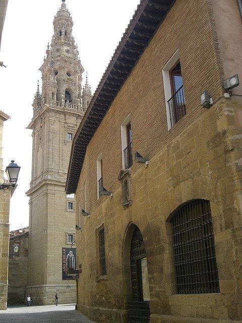 Santo Domingo de la Calzada, lleno de monumentos hacia el Camino de Santiago (La Rioja) 6