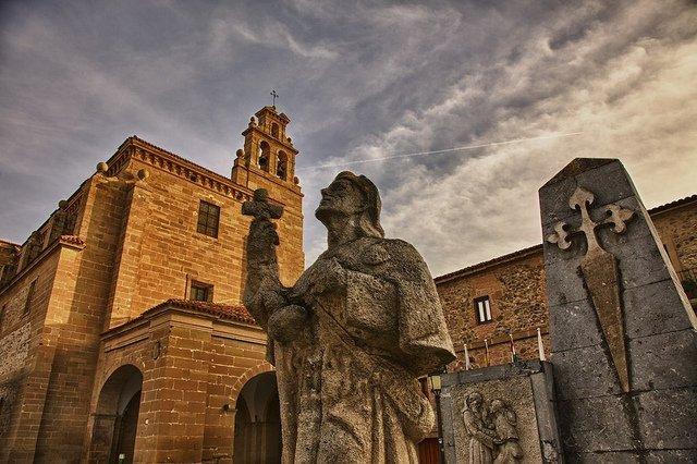 Santo Domingo de la Calzada, lleno de monumentos hacia el Camino de Santiago (La Rioja)