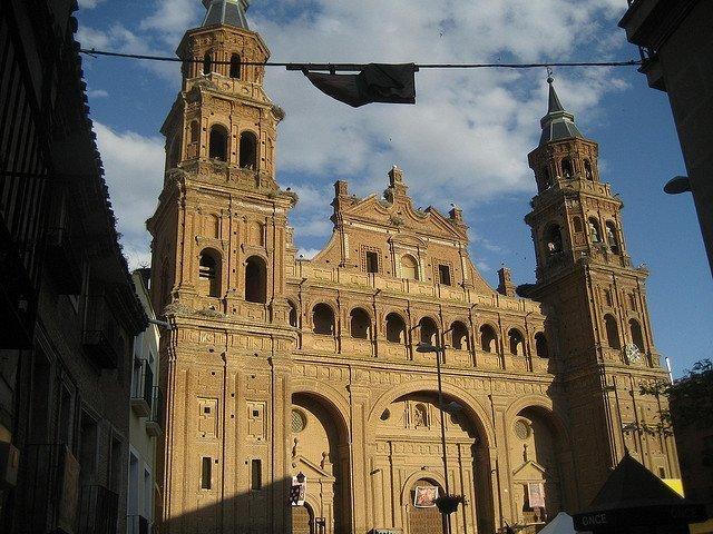 Alfaro: la ciudad de las cigüeñas tiene el mayor templo barroco de ladrillo 1
