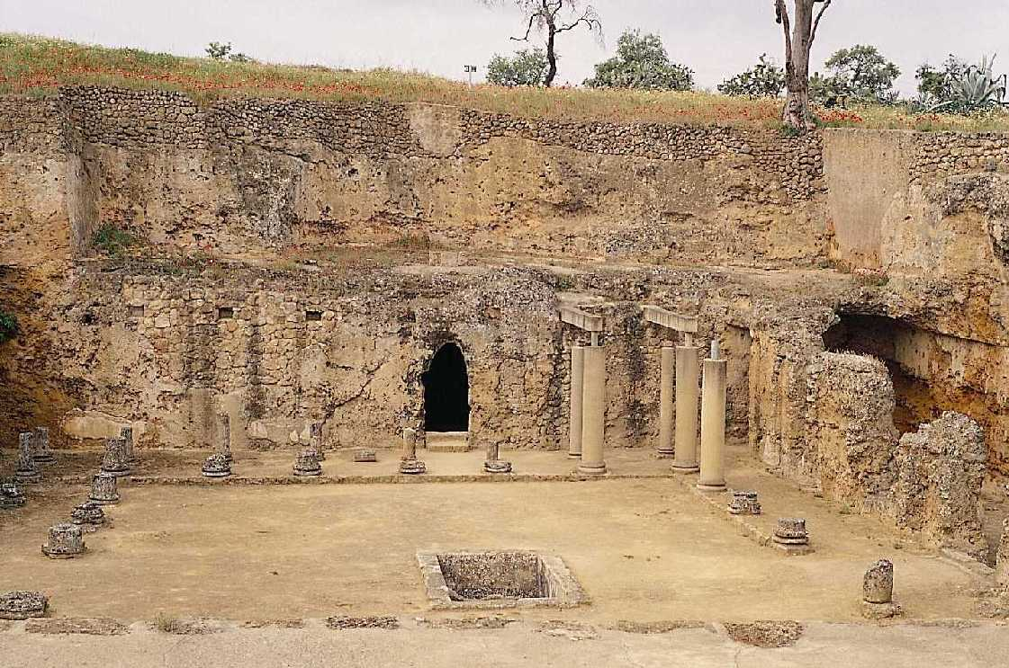 Carmona y su magnífica necrópolis de origen romano (Sevilla)