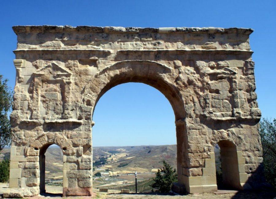 Medinaceli: la del arco romano, Almanzor y el Empecinado (Soria)