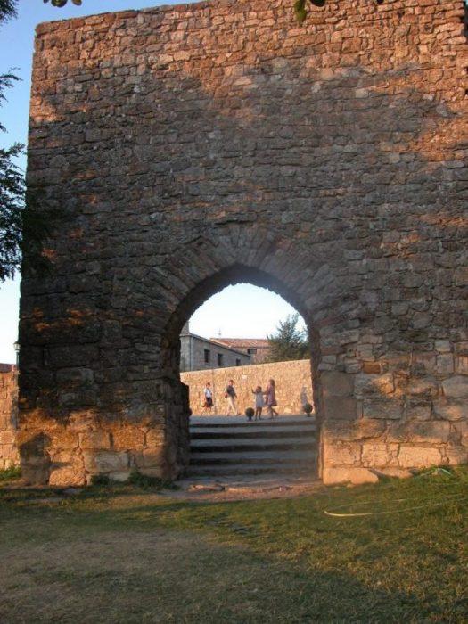Medinaceli: la del arco romano, Almanzor y el Empecinado (Soria) 4
