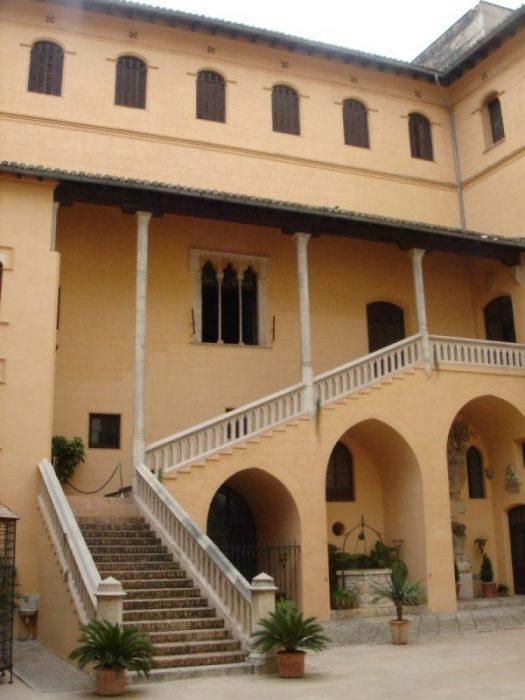 Gandía, con su colosal Palacio Ducal y cuna de literatos de fuste (Valencia) 6