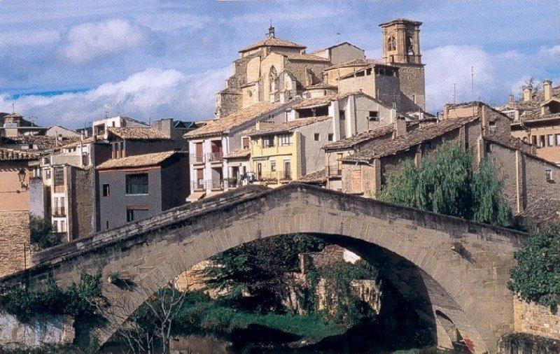 Estella: punto de travesía del Camino de Santiago y de encuentro de paz (Navarra)