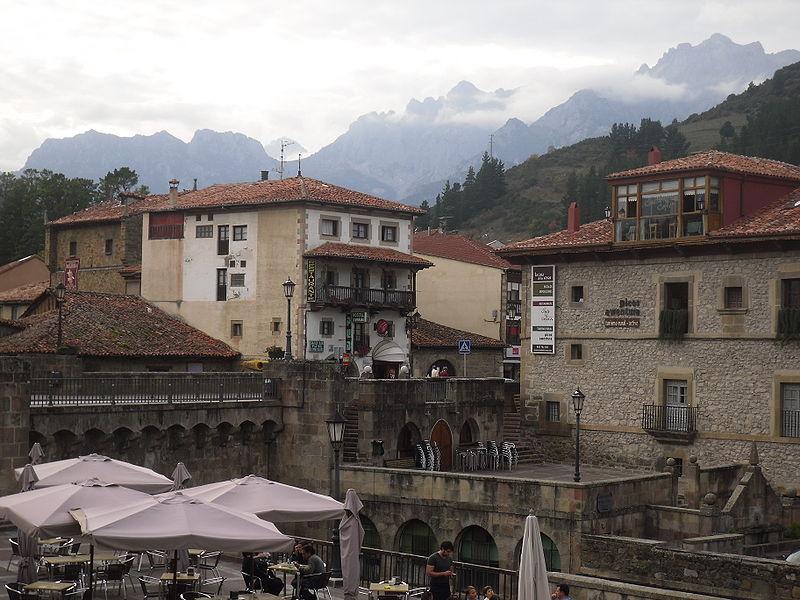 Potes: la villa de los puentes (Cantabria)