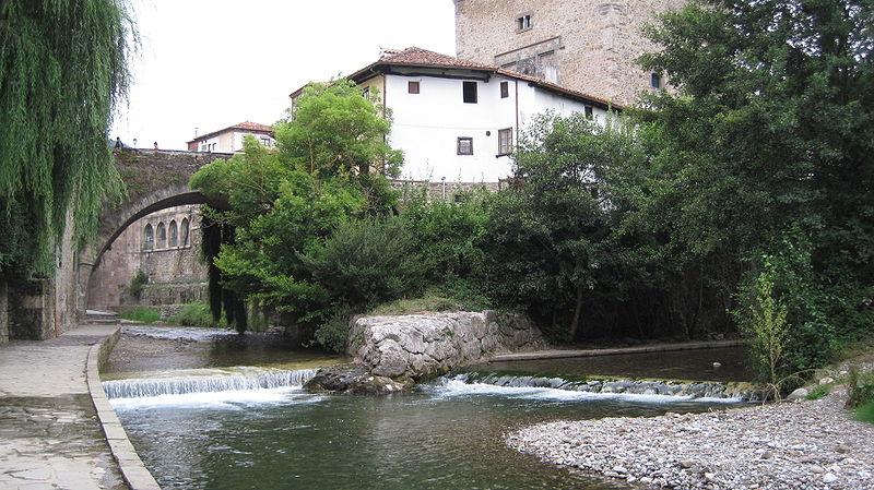 Potes: la villa de los puentes (Cantabria) 8