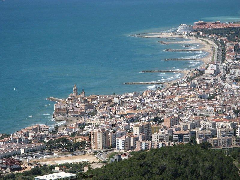 vista aérea de la localidad costera de sitges