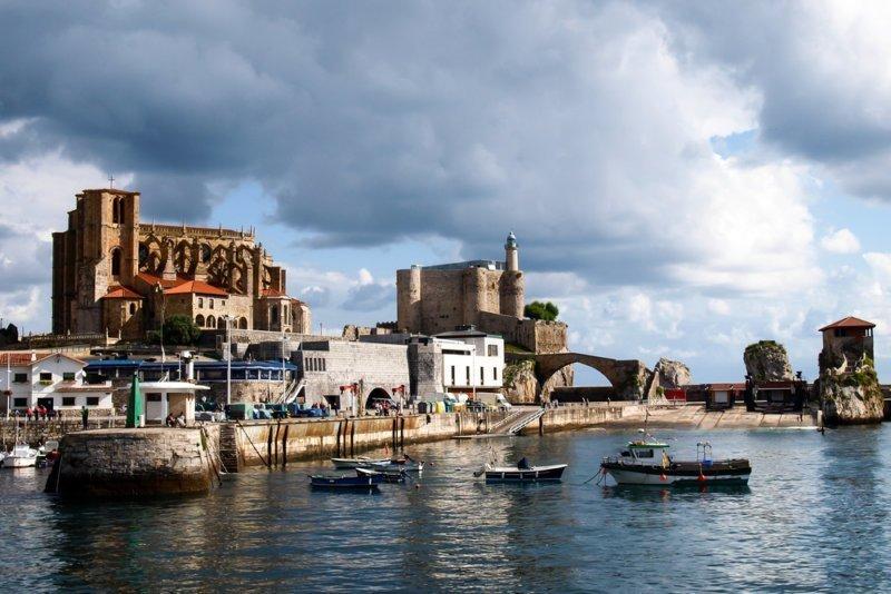 Castro Urdiales: la Flaviobriga romana y centro medieval de tradición señorial