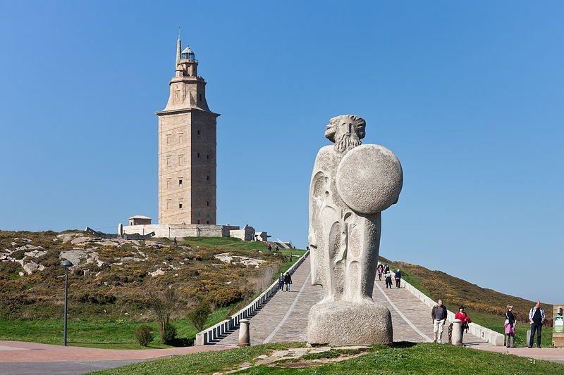 Torre de Hércules: el faro más antiguo del mundo que aún funciona 2