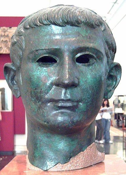 Busto del emperador romano Tiberio hallado en el yacimiento soriano./Luis García (Zaqarbal)