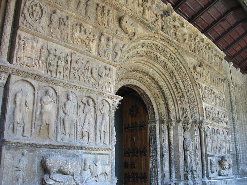 Portada del monasterio de Ripoll.