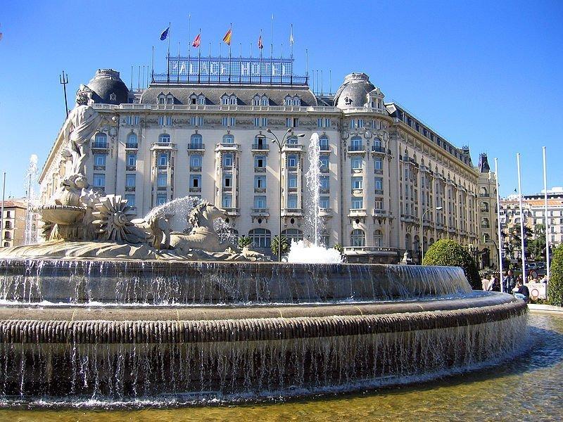 Plaza_de_Cánovas_del_Castillo_hotel_palace_(Madrid)