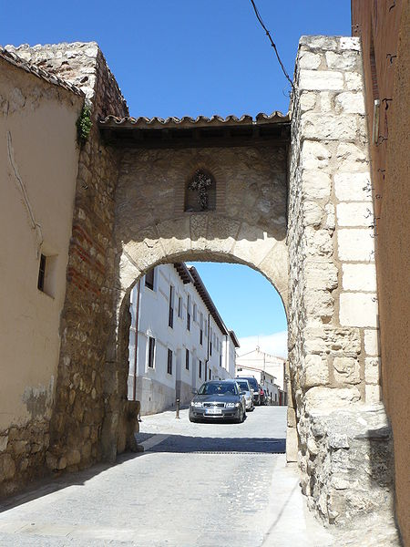 arco de entrada a torrelaguna