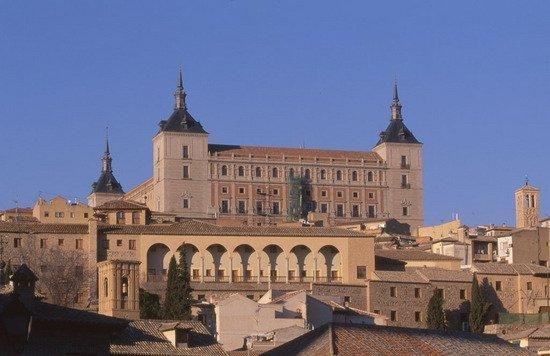 Vista general del Alcázar de Toledo