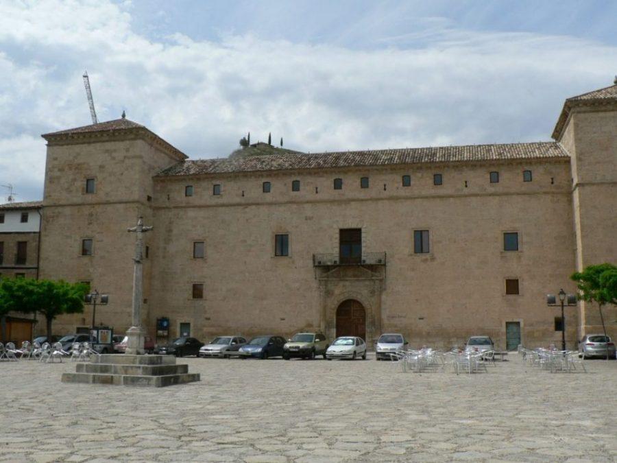 edificio de pastrana conocido como palacio ducal
