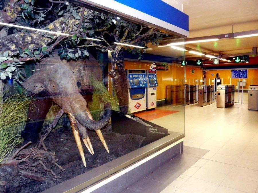 Estación de metro Carpetana (Madrid)