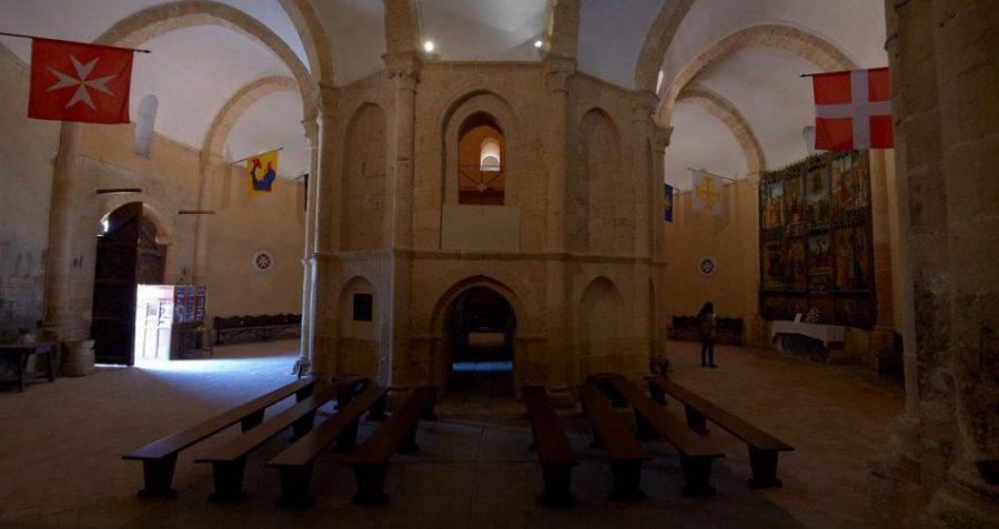 Interior_iglesia_vera_cruz_segovia