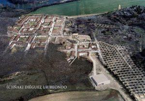 Andelos Mendigorría Navarra. Reconstrucción de la traza de la antigua ciudad romana altoimperial 300x209 - Andelos y su pasado romano (Navarra)