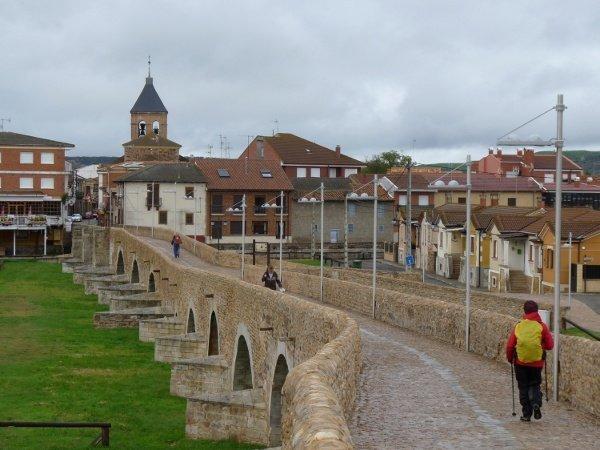 Las justas medievales del 'Paso Honroso' sobre el río Órbigo (León)