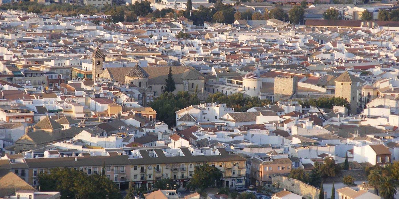 Panorámica de la localidad de Lucena./ redjuderias.org