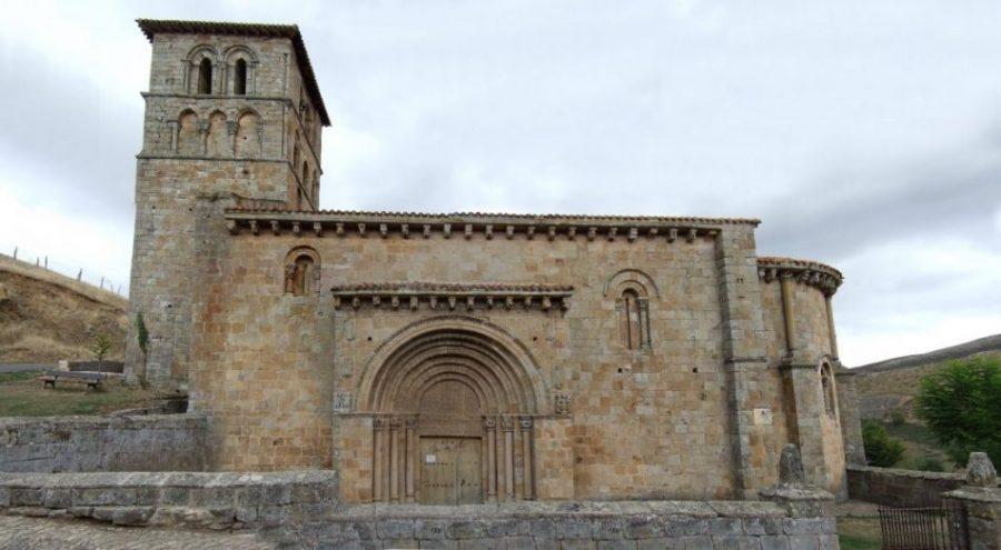 San Pedro de Cervatos: un Carnaval sagrado con suobscena decoración