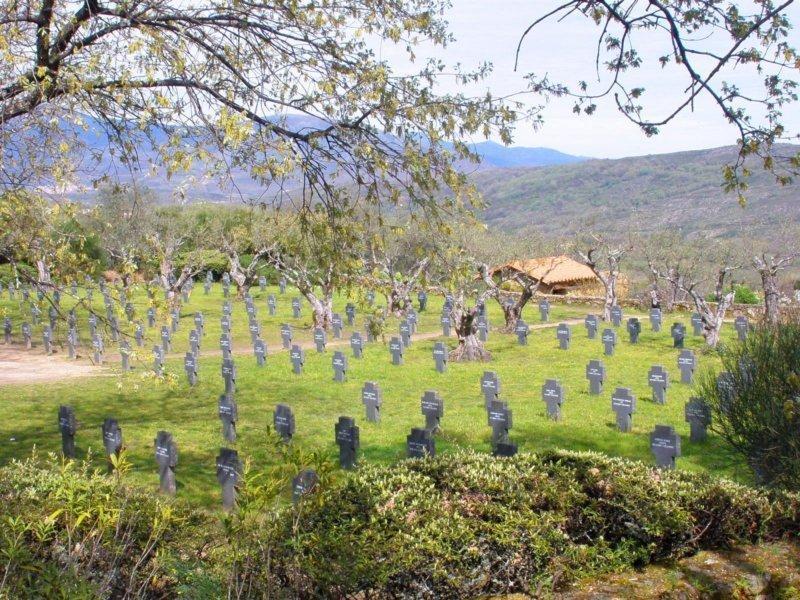 Cuacos de Yuste y su cementerio alemán