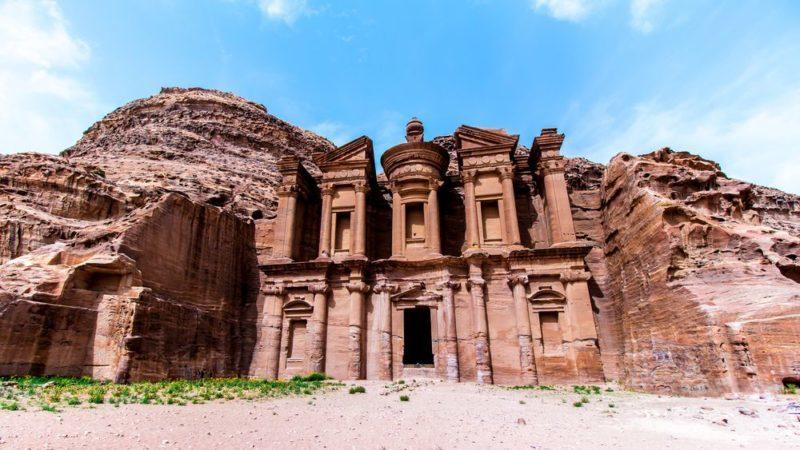 shutterstock 643573033 compressor e1495720168565 - Petra: una joya tallada en la roca