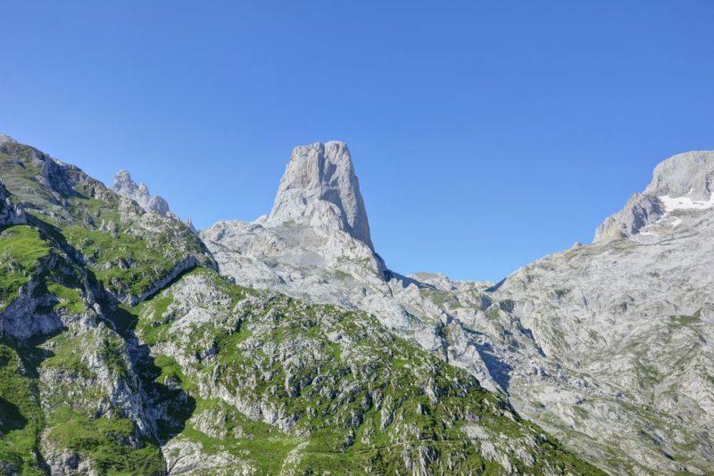 El queso de cabrales y el viaje a su valle asturiano