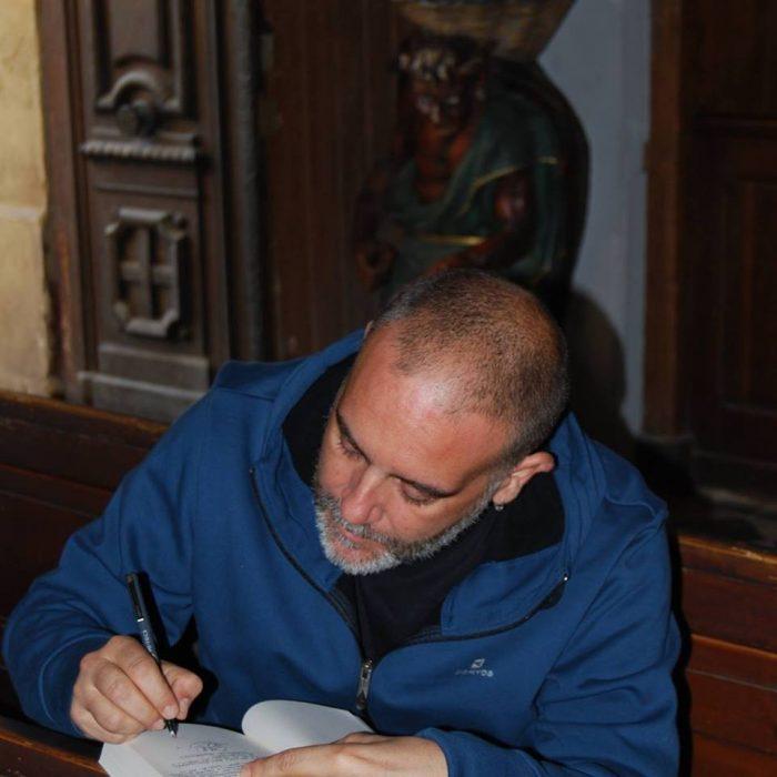 "oscar 1 - Óscar Fábrega: ""La Iglesia ha usado la figura de Jesucristo en su propio beneficio"""