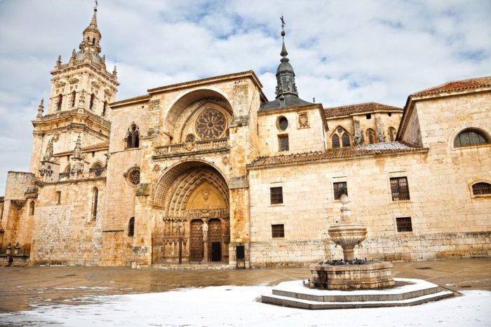 Burgo_osma_iglesia