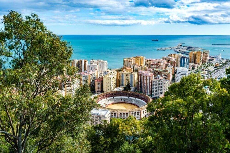 Descubrir la historia y tradiciones de Andalucía en primavera