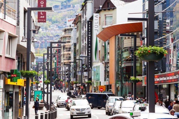 calle_comercial_andorra