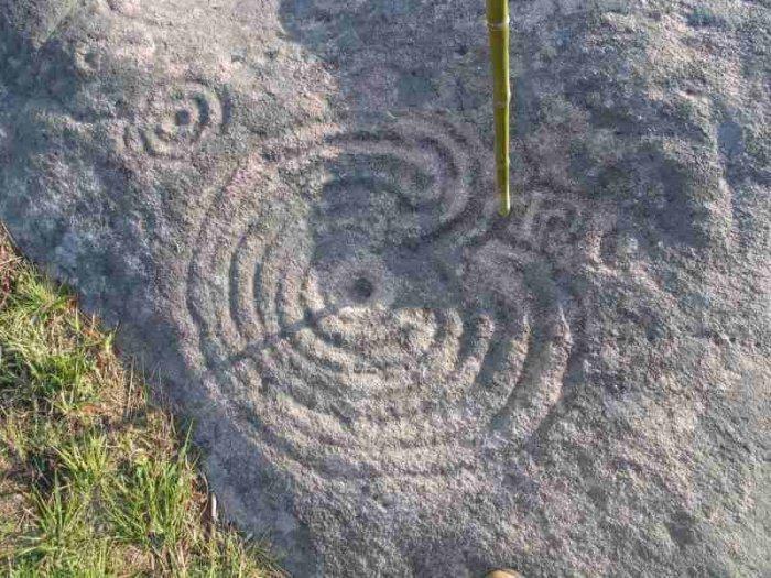 mogor Jose Luis Galovart e1530509434682 - Lugares Mágicos de España: los petroglifos de Mogor