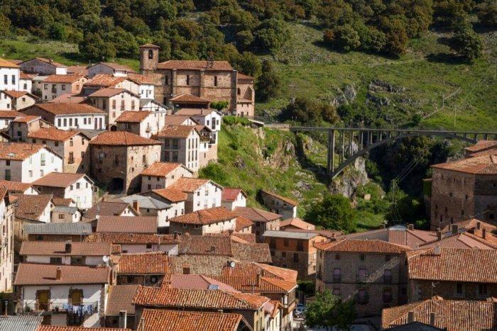 ortigosa de cameros compressor e1531116474508 - El valle del Iregua: historia en La Rioja