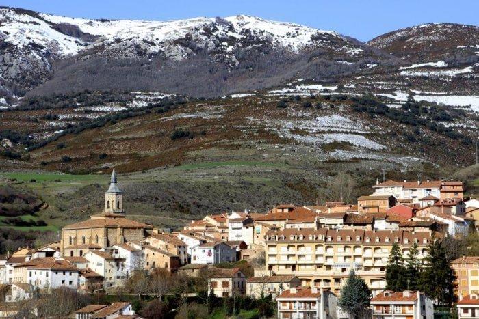 torrecilla de cameros compressor e1531116524767 - El valle del Iregua: historia en La Rioja